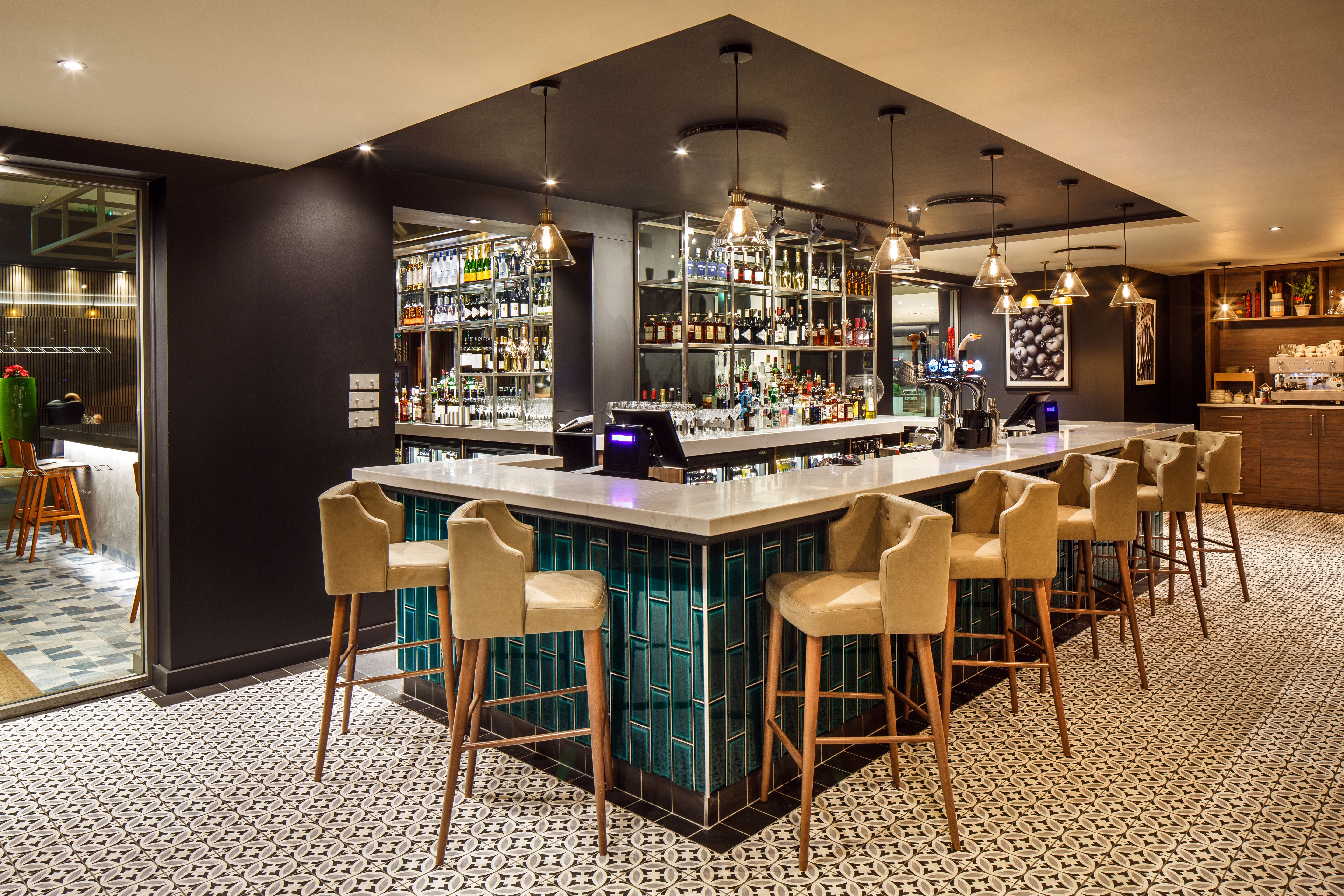 Bar En Pierre Marco S New York Italian By Marco Pierre White At Holiday Inn