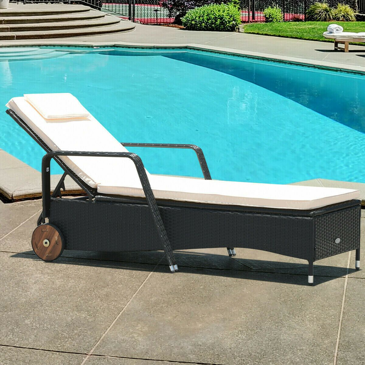sun lounge chair with face hole