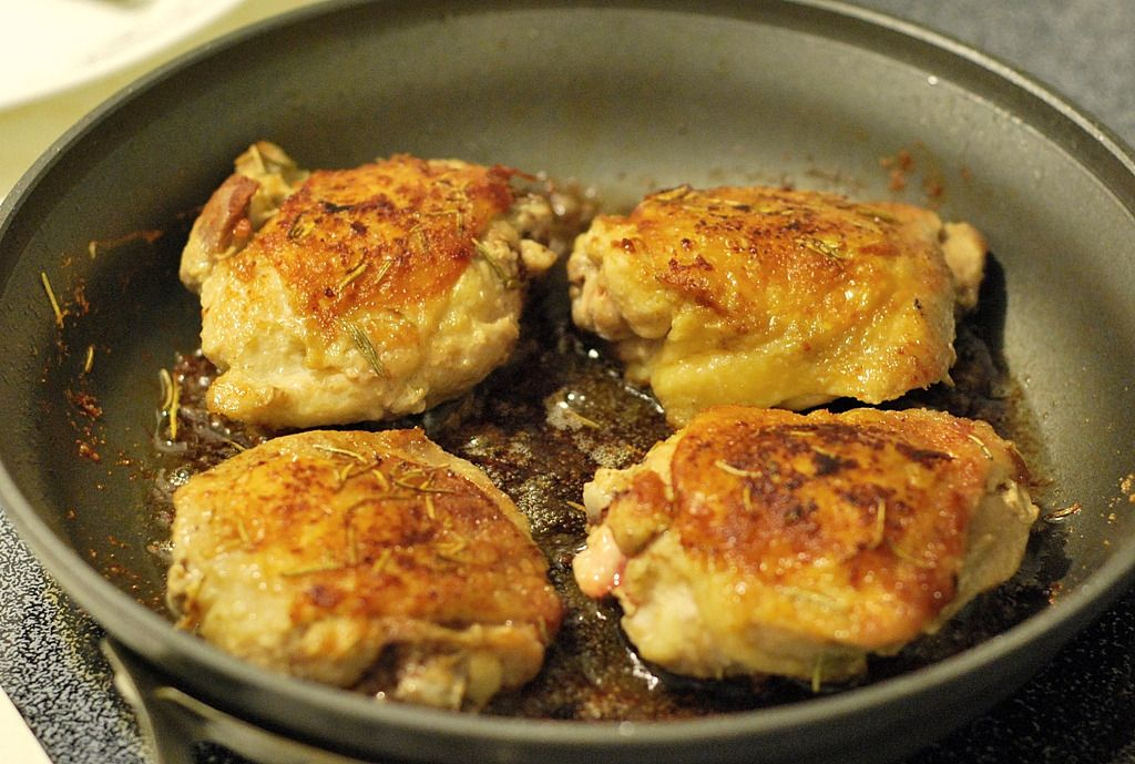 quick easy pan fried chicken thighs the tasty spot pan chicken recipes pan fried chicken pan fried chicken thighs pinterest