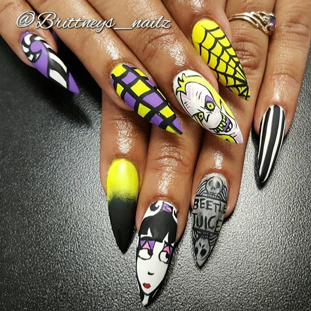BettleJuice Nails by brittneys_nailz 🎃HALLOWEEN IS NEAR