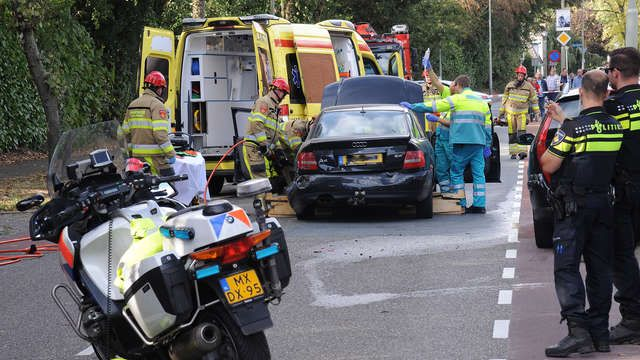 Botsing in Landgraaf, één persoon bekneld | 1Limburg