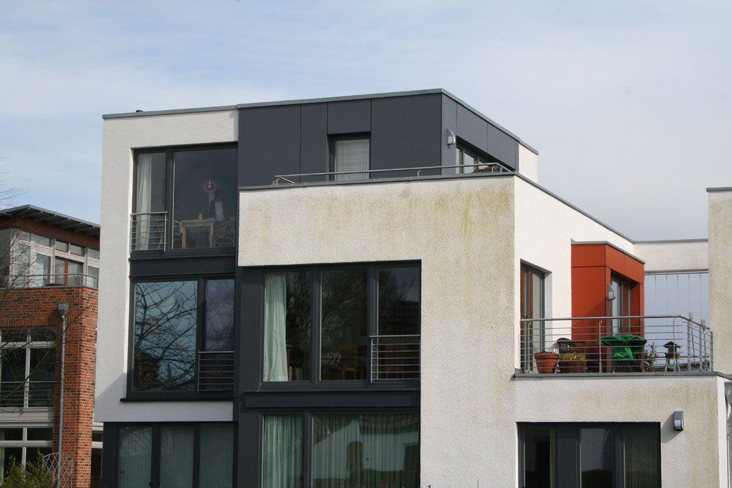 neubau algen auf einer putzfassade color in the city pinterest algen neubau und klinker. Black Bedroom Furniture Sets. Home Design Ideas