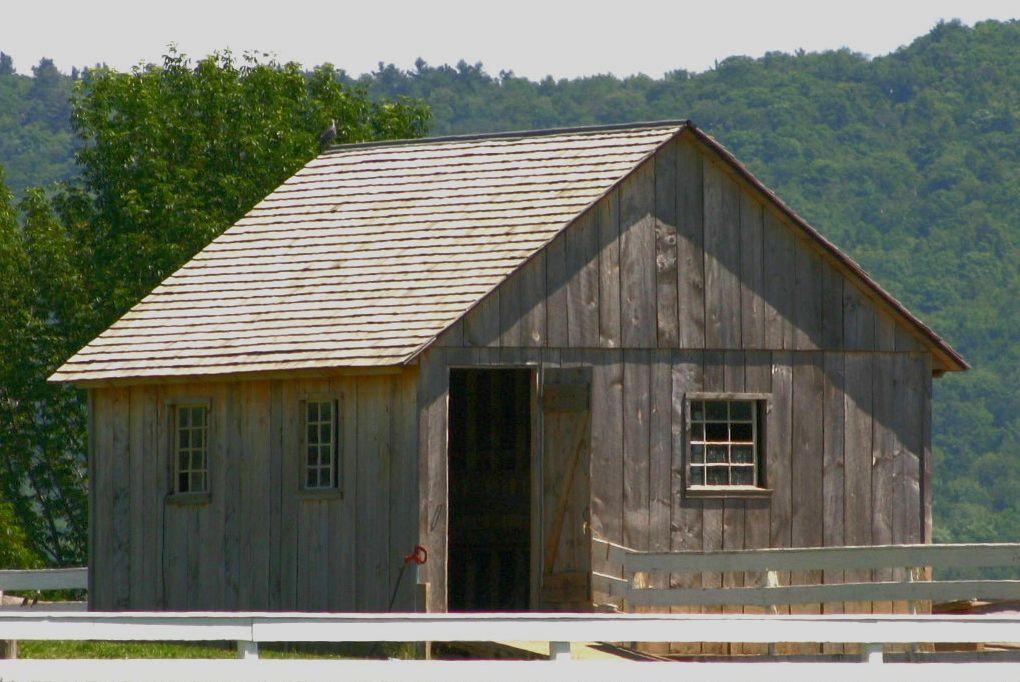 Simple Shape Roof Design Roof Shingles Shingling
