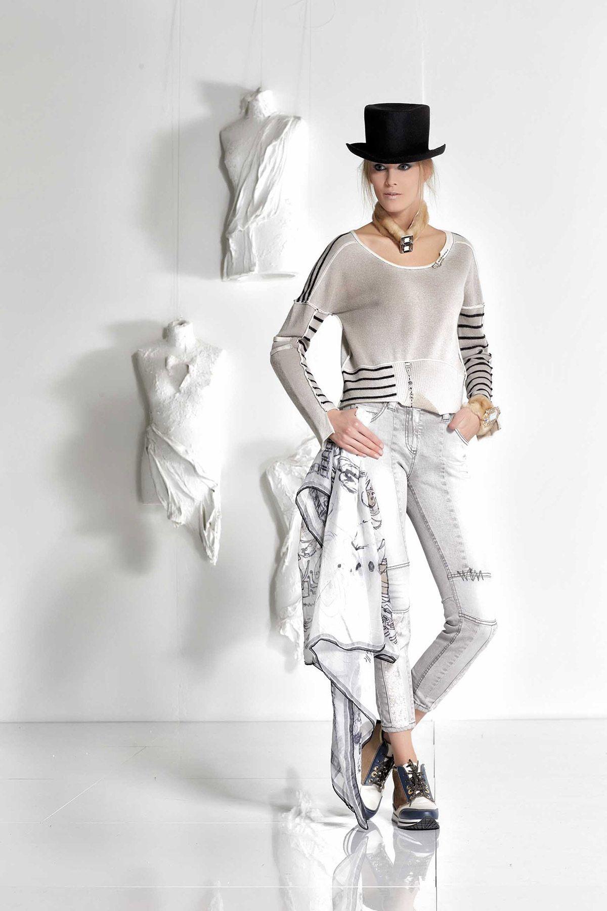 DANIELA DALLAVALLE - #danieladallavalle #collection #fw17 #elisacavaletti #woman #chick #jeans #fashion #details #detailsmatter #tennis #shirt #blackandwhite #scarf #hat #necklace #funfur
