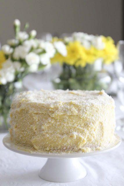 Lume Brando: Almoço de mães e um bolo à moda antiga. // Mothers Day lunch and an old-fashion cake.
