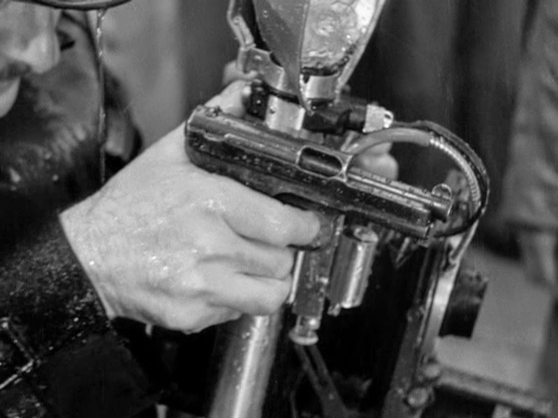 Happyotter: FOREIGN CORRESPONDENT (1940)