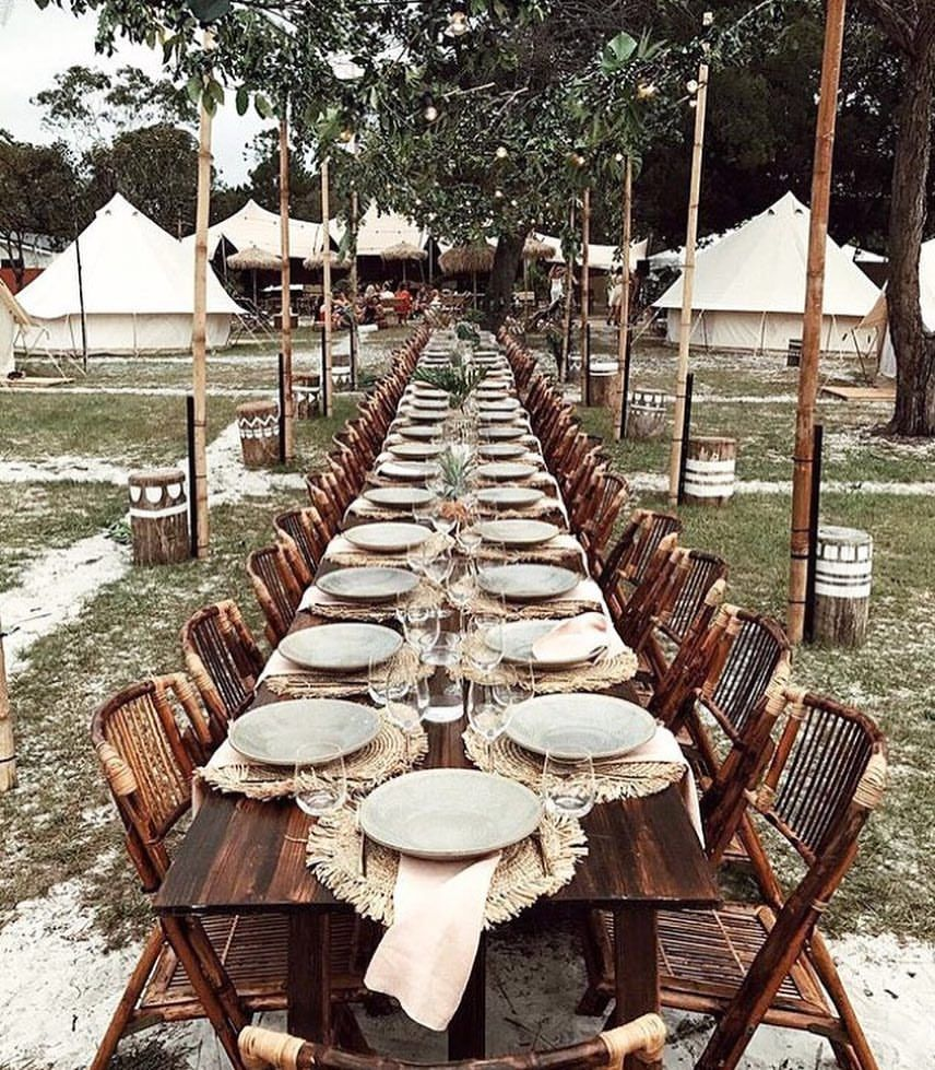 Dining under the stars for @spell_byronbay Christmas party at @flash_camp tap for all the ...