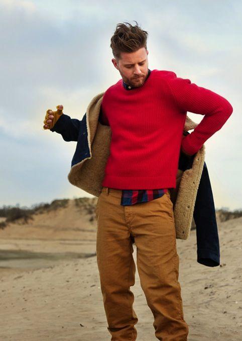 Sugerencia casual especial para este frio pero estupendo domingo: http://www.landoigelo.com.es/blog-de-moda-masculina/tendencia-201314-sueter-de-punto-rojo-.html