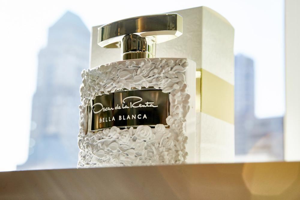 9aa8d8ae0ba656 New Fragrance 2018 - Bella Blanca by Oscar de La Renta The Luxury Perfumes  At Your Door