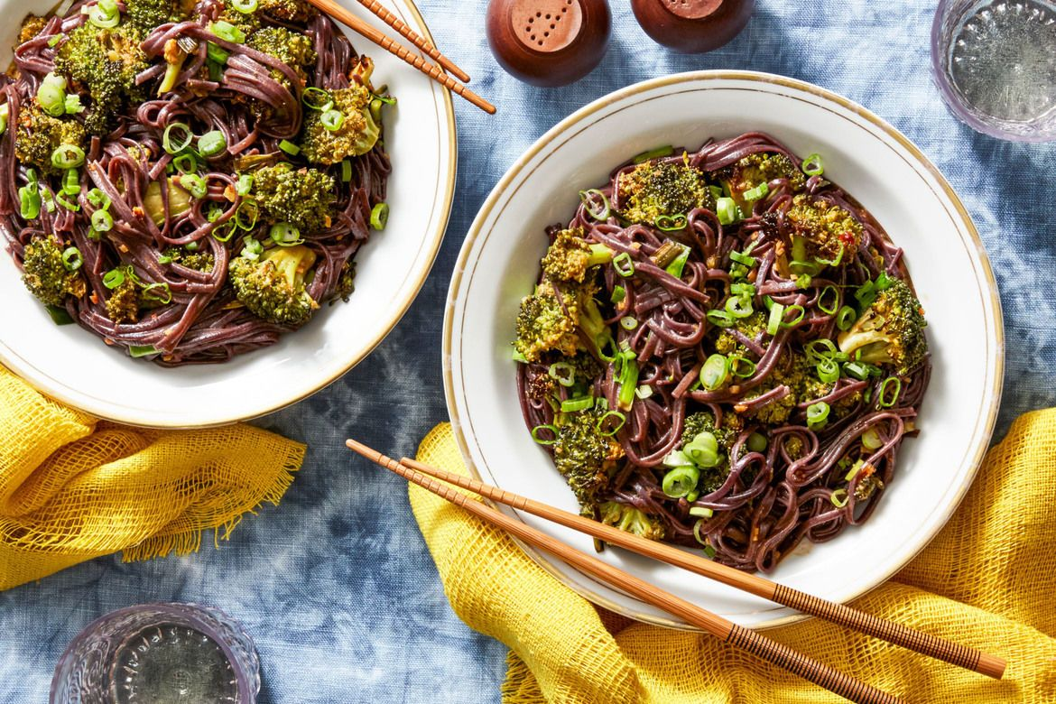 Blue apron broccoli - Kung Pao Broccoli With Garlic Chives Black Rice Noodles