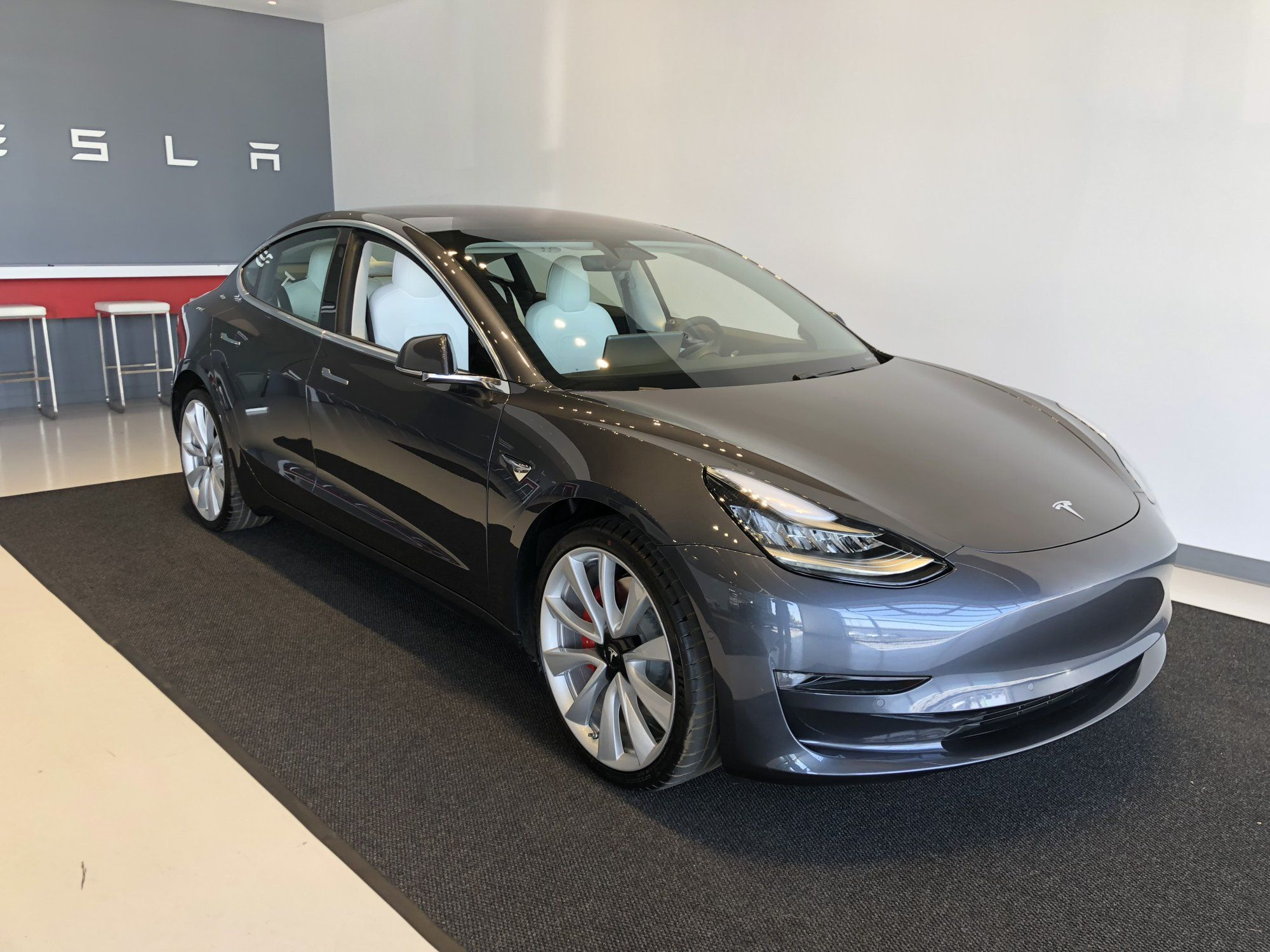 Tesla Motors Club >> Midnight Silver With White Interior Tesla Motors Club Tesla