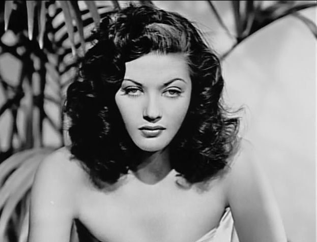 1940's Era Bombshell Yvonne de Carlo -Black and White print, Multiple Sizes [730-701]-Classic Sexy Sultry Hollywood Glamour