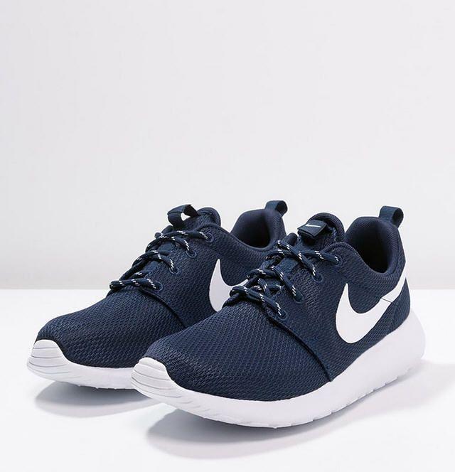 newest 91643 07755 Nike Sportswear ROSHE ONE Baskets basses midnight navywhite prix Baskets  Femme Zalando 90,00 €
