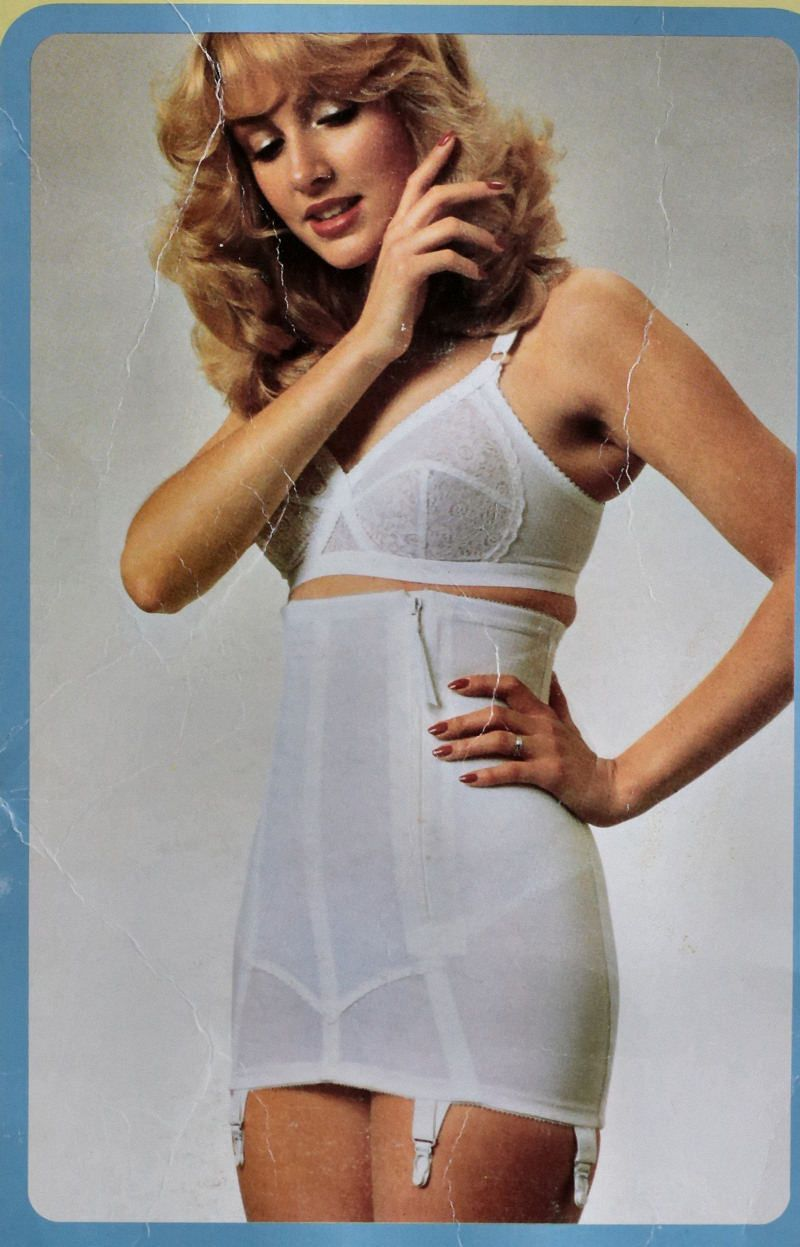 White apron marks and spencer - St Michael Marks And Spencer High Waist Side Zipper White Girdle From The 1960s