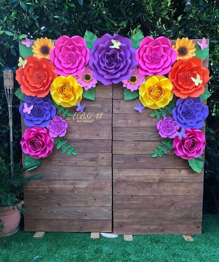 Colorful flower backdrop made for Lorena Aguilar Spring theme Birthday party. Th… – My wedd…