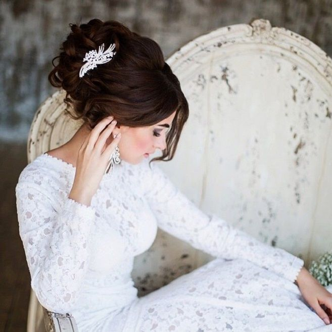 Updo wedding hairstyles | Wedding Hairstyle Ideas For the Bride | fabmood.com #weddinghair #bridalhair #hairstyles #upstyle #updo #weddinginspiration #weddingideas #looseupdo