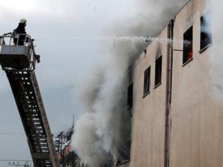 Mobilya Üretim Atölyesinde Korkutan Yangın - Ucuza Evlen | Ucuza Evlen