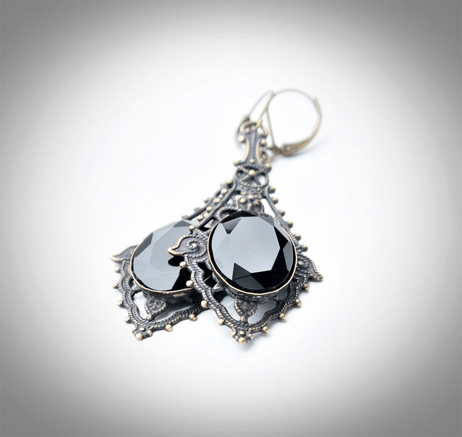 Video Tutorial - How to edit photos of your handmade jewelry using free software.