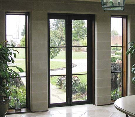 Full Length Fixed Doors And Panels With Bronze Horizontal