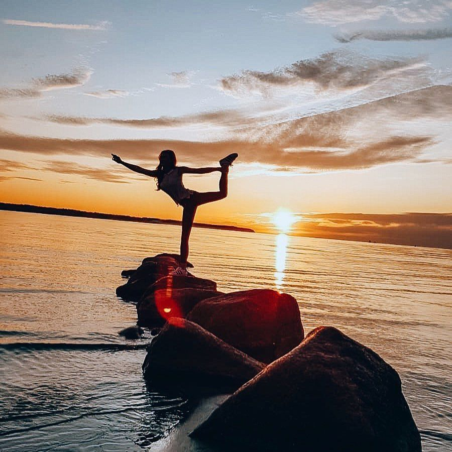 no words 🌅 . . . . #yoga #fitness #meditation #yogalife #yogainspiration #love #yogaeverydamnday #yo...