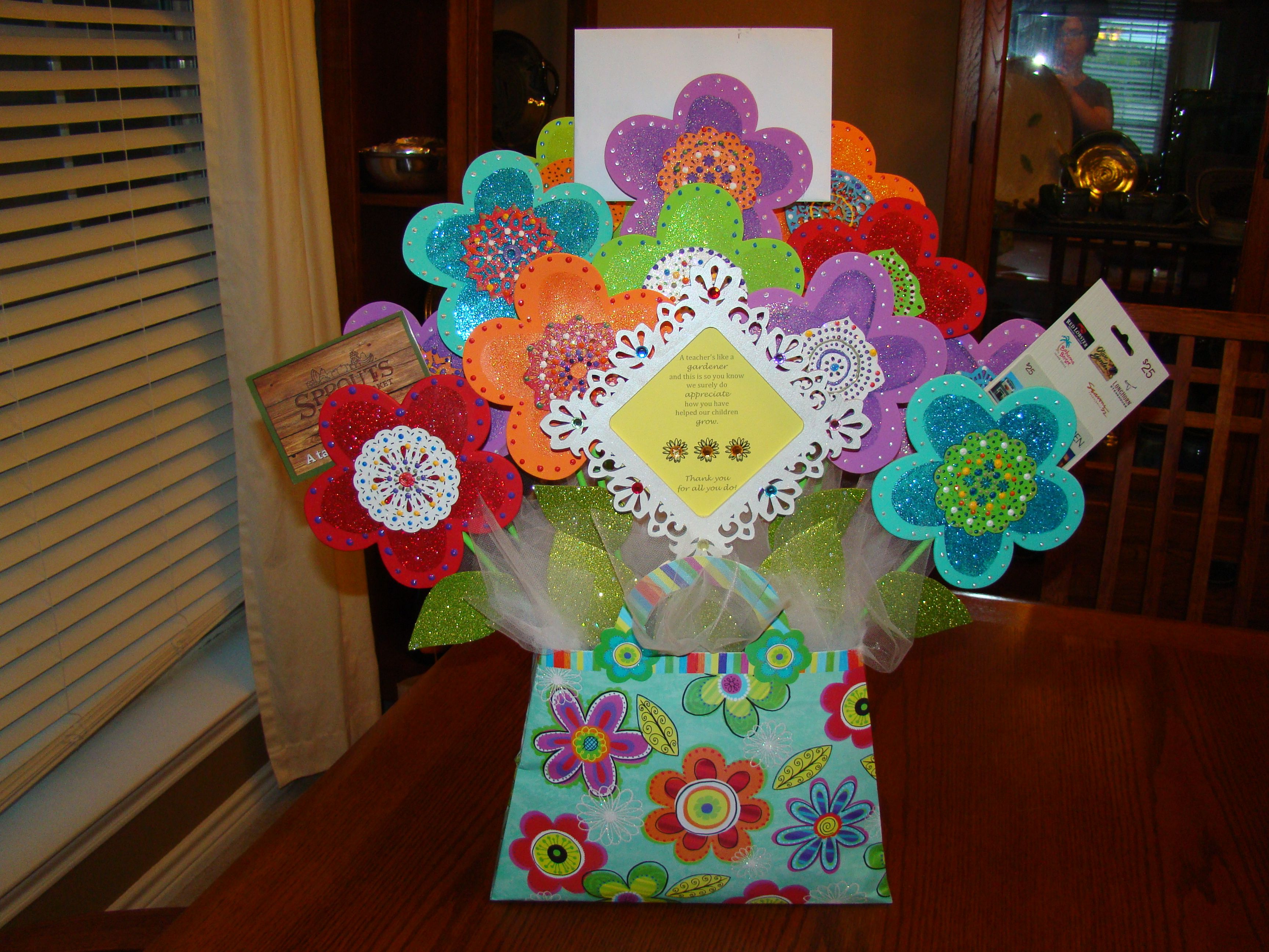 Gift card bouquet for teacher room mom stuff pinterest gift gift card bouquet for teacher negle Choice Image