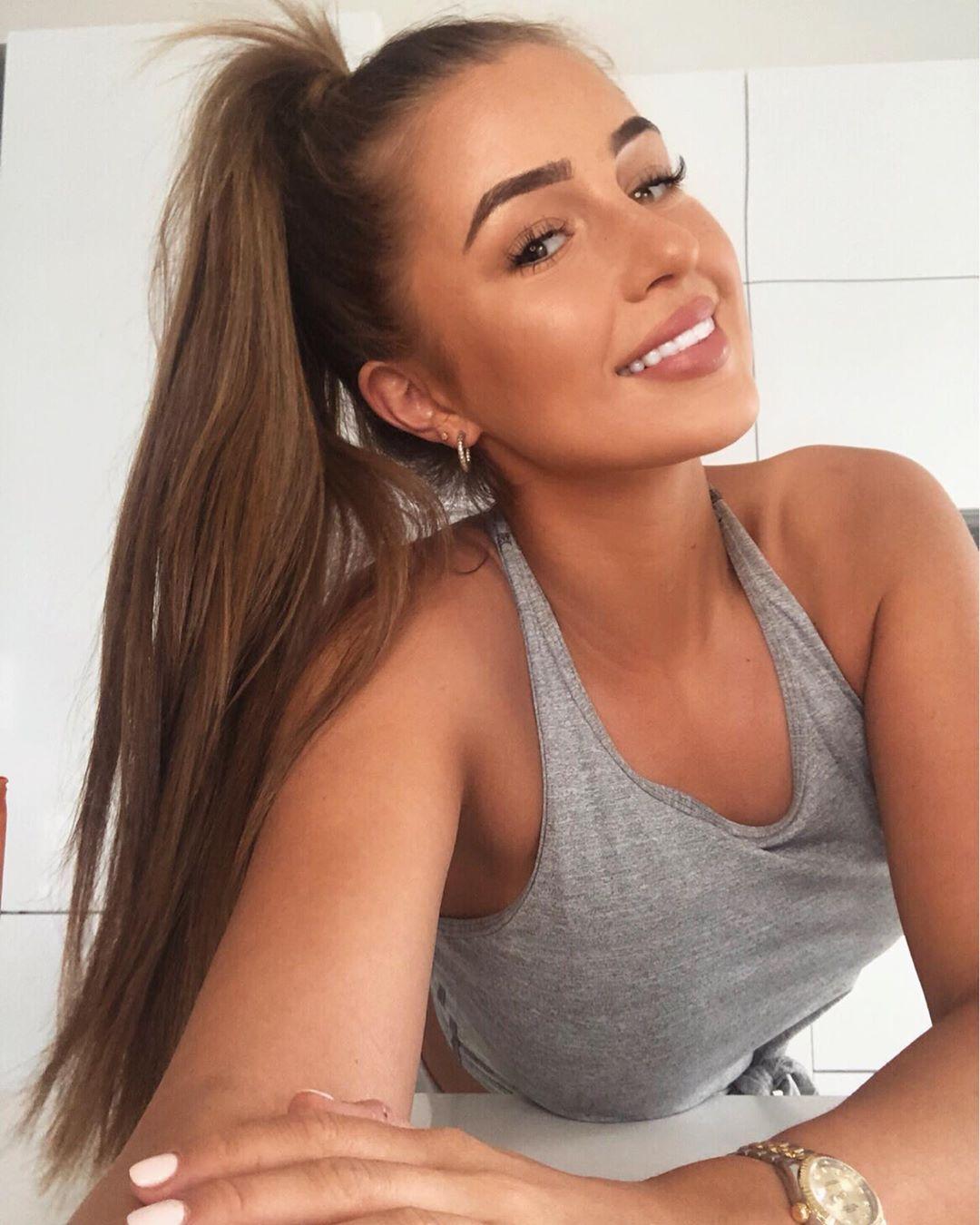"Georgia Steel on Instagram: ""A little selfie never harmed anyone 🤪"""