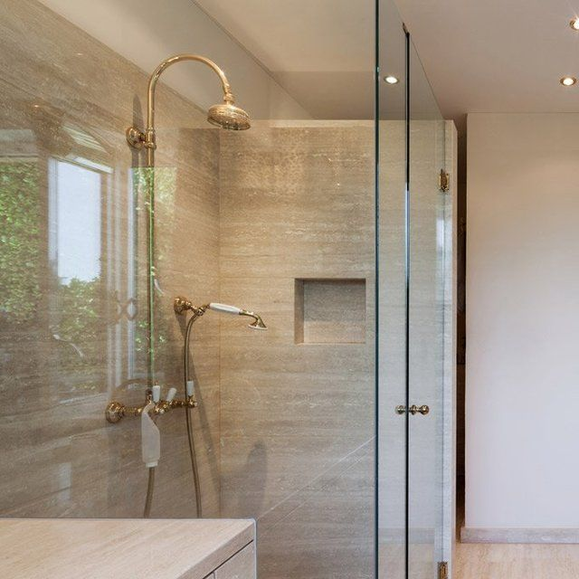 I Love Glass Showers They Look So Nice And The Make The Room