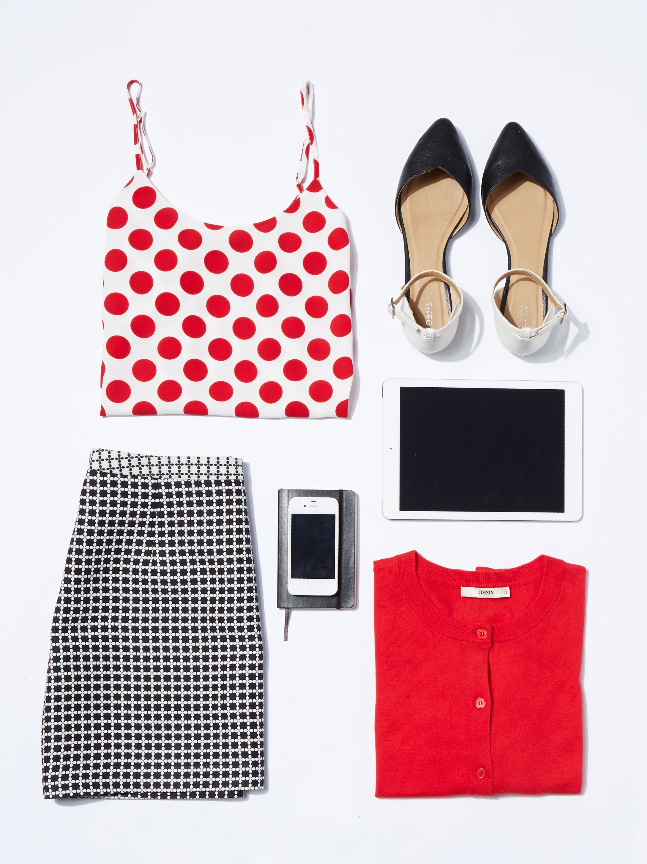 ae7044ce50e9 FLAT LAYS WITH PROPS | dress up in 2019 | Fashion, Fashion outfits ...