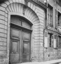 Une des entrées du couvent, 16 rue Tournefort