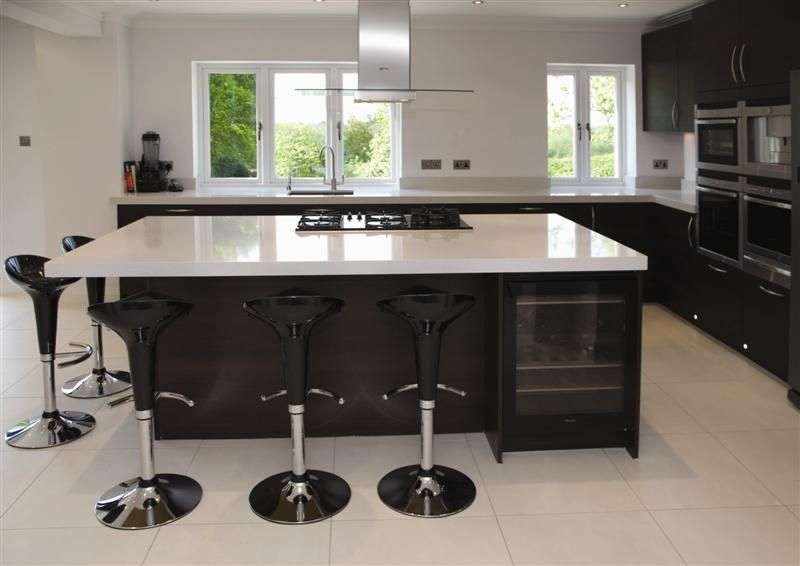 Best A Very Modern Pure White Quartz Stone Worktop For Your 640 x 480