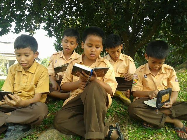 Pendidikan Anak Adalah Perkara Yang Sangat Penting Di Dalam Islam Di Dalam Al Quran Kita Dapati Bagaimana Allah Menceritakan Petuah Petu Pendidikan Islam Anak