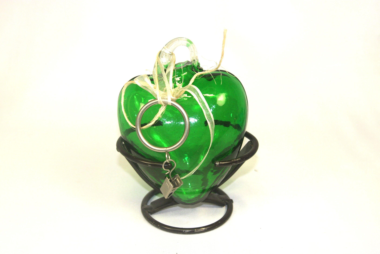 En madera-hierro@hotmail.com tenemos el regalo que tú buscas. Escríbenos. SOMOS MUEBLES DIFERENTES