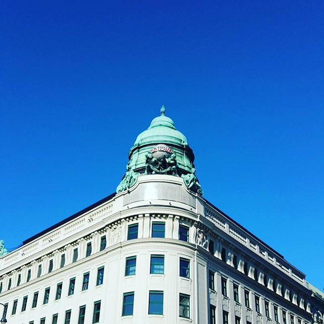 #ilovevienna #vienna #myhometown #sky #architecture #1010wien