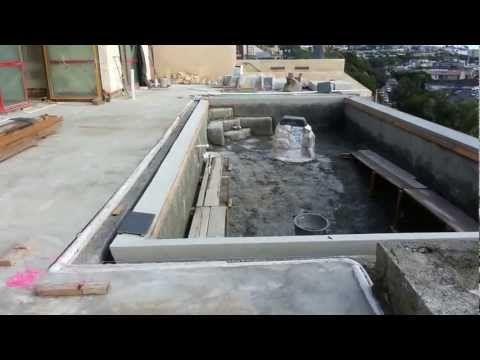 Pool Over Looking Newport Harbor Youtube Plan Piscine Piscine Mirroir Piscines Modernes