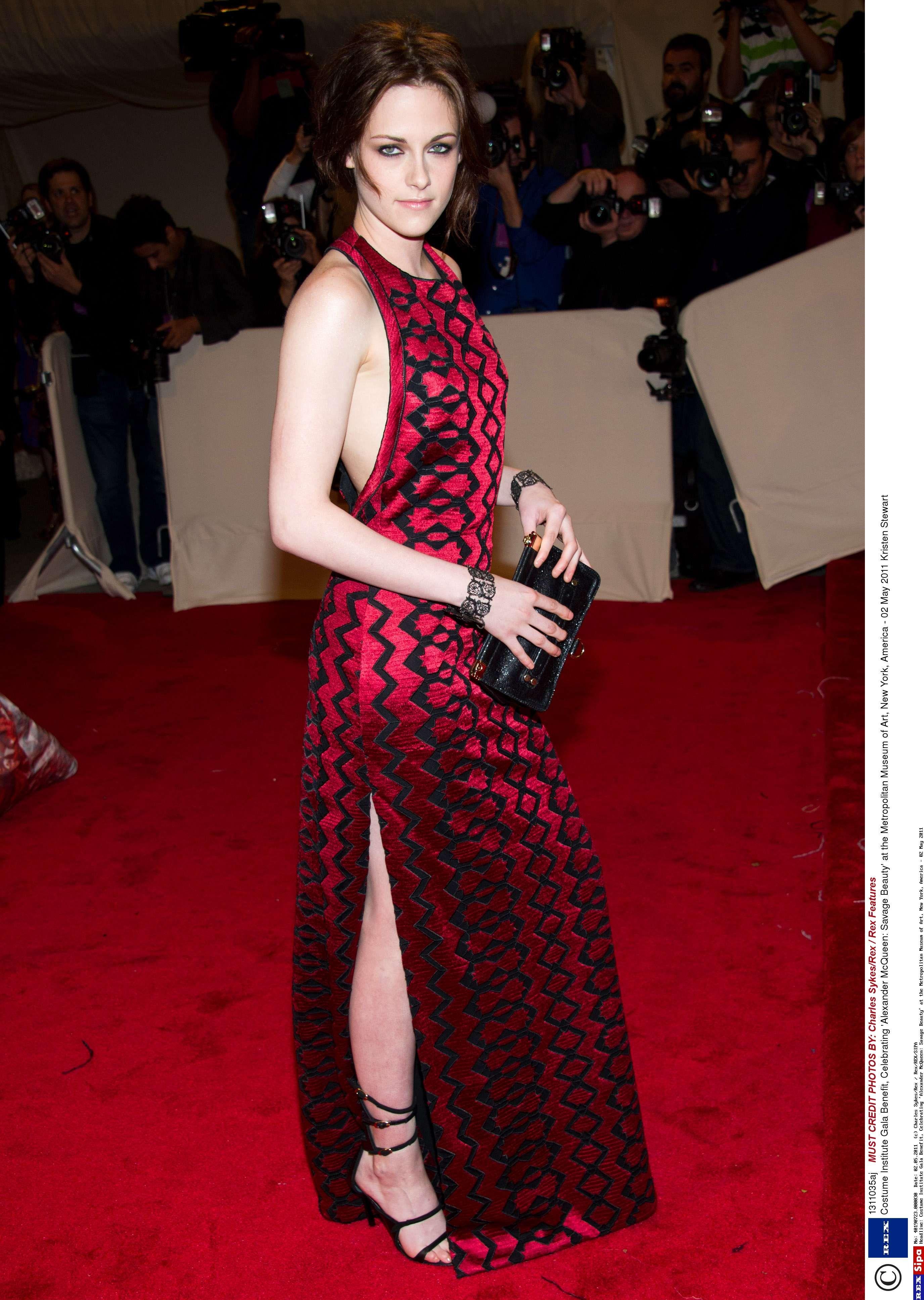 Kellan Lutz rencontre Selena Gomez espoir de datation Choi SAE ROM KBS2