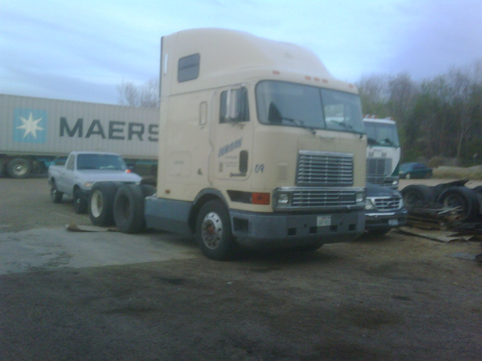 International 9800 huntingsemi truckscarnewsdieselhtmlphotos