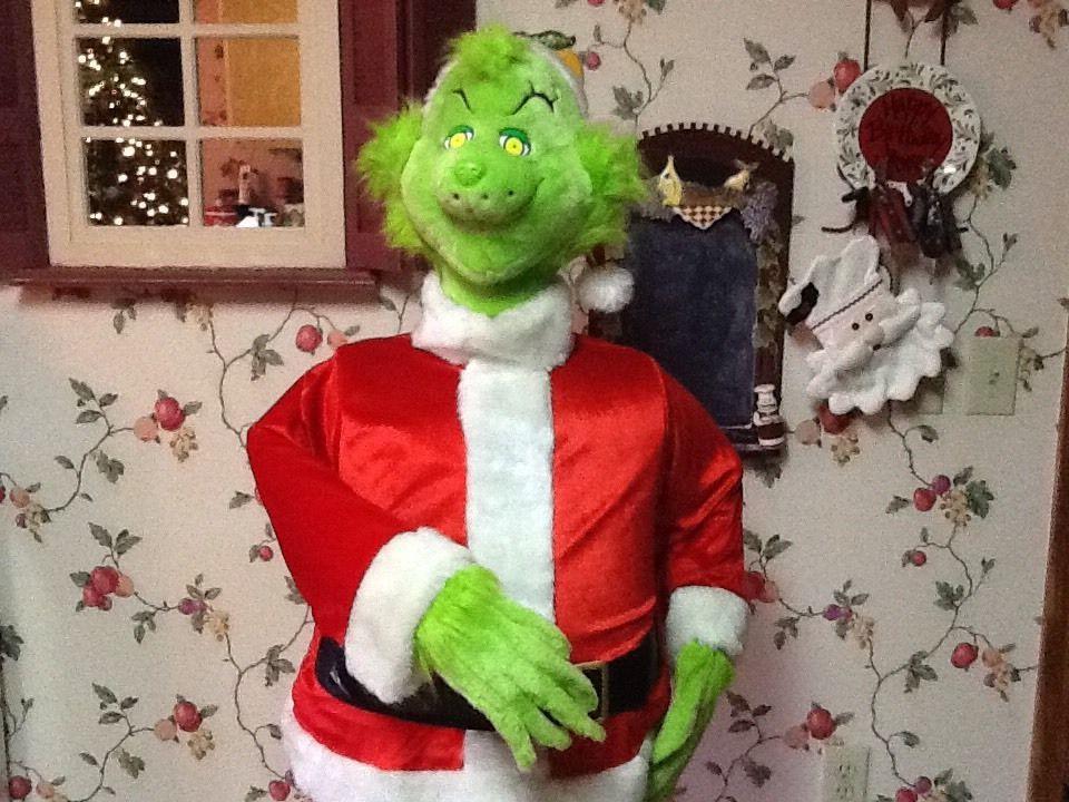 Life Size Animated Singing Grinch Christmas Decoration 5 Ft