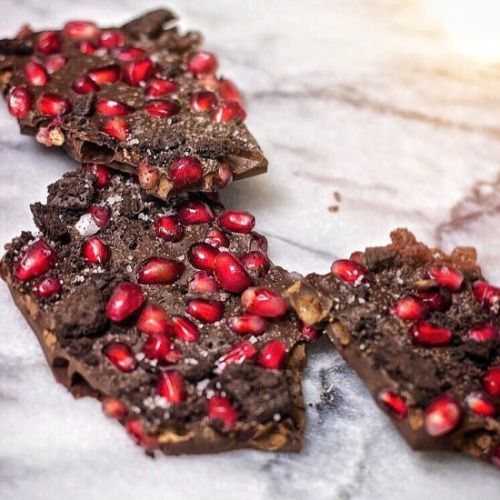 Dark Chocolate Pomegranate Bark-Get your hourly source of sweet...