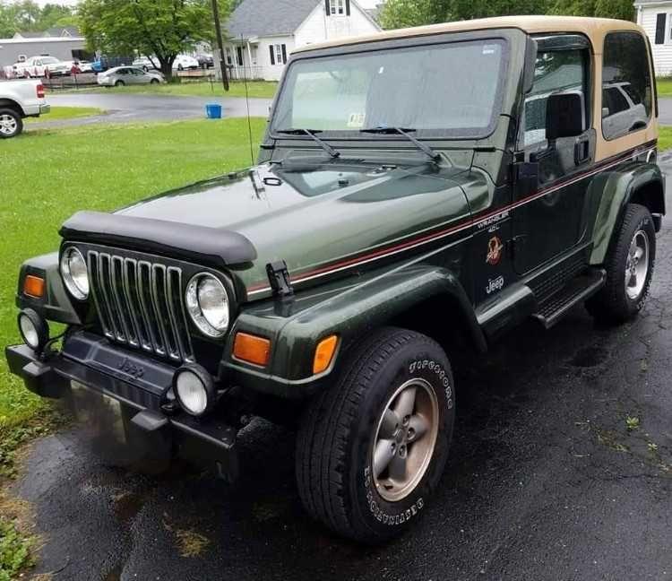 1998 Jeep Wrangler Sahara 70%2C404 miles%2C automatic transmission