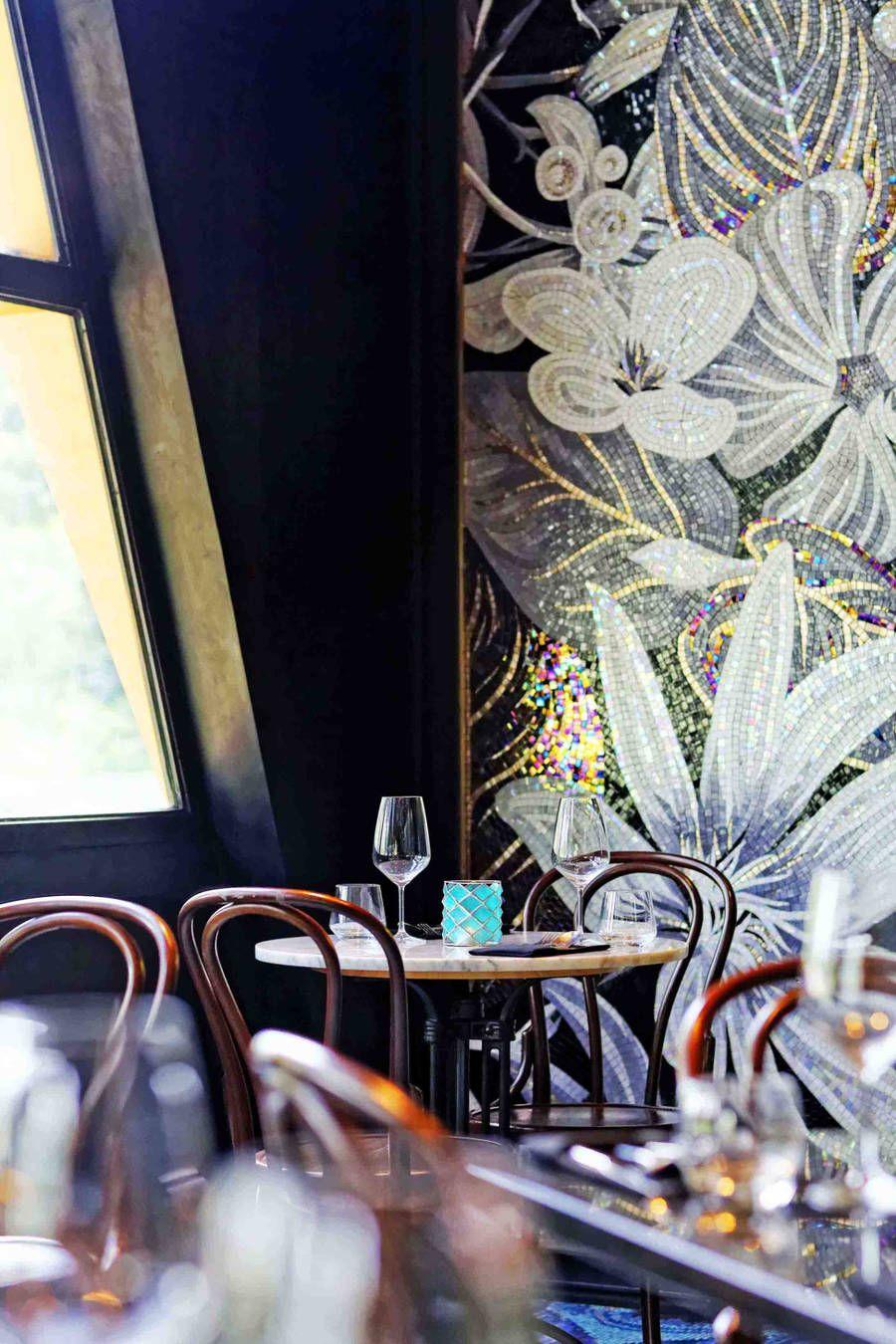 Classy Restaurant Interior In Jakarta