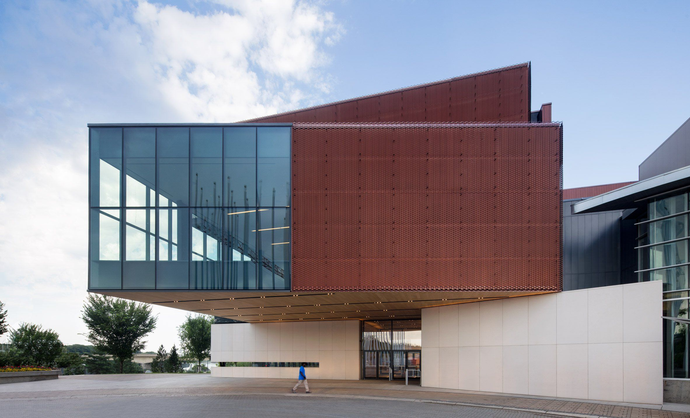 Kpmb Architects Has Completed A Contemporary Art Gallery And Museum On The Riverside In Saskato Museum Architecture Museum Of Modern Art Galleries Architecture