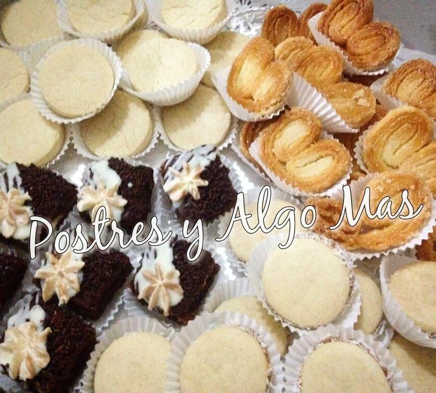 """Para compartir con los anigos  o para una reunión pequeña te recomendamos nuestra """"BANDEJA MIX ESPECIAL"""" (50 unid surtidas): Polvorosas. Palmeritas. Brownies con chocolate Alfajores (blancos o de colores)  #BandejaMix #lahoradelte #galletitas #compartir #pastelería #repostería #pastry #polvorosas #palmeritas #brownies #alfajores  #dulcitos  #mesadedulces #PostresyAlgoMas #maracaibo #venezuela  Si deseas información adicional o quieres hacer tu pedido puedes comunicarte con nosotros…"""