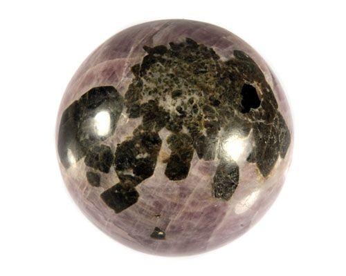 Anhydriet (lavendel) met epidoot edelsteen bol 63 mm