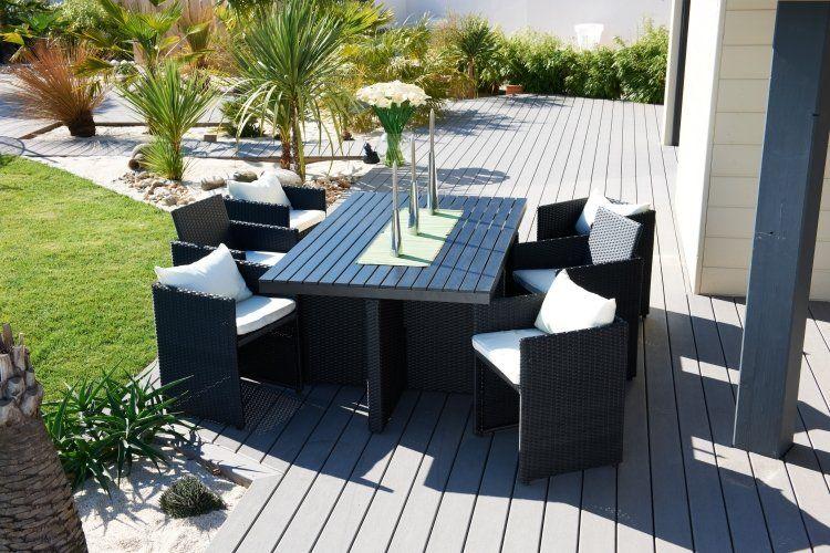 Ce #salon de jardin 6 places se compose d\'une #table en bois ...