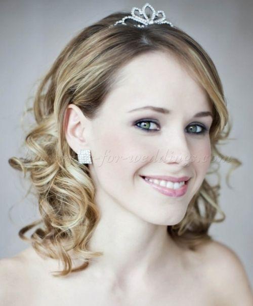 Wedding Hairstyles For Medium Length Hair Shoulder Length Wedding Hairstyle With Tiara Short Wedding Hair Medium Length Hair Styles Shoulder Hair