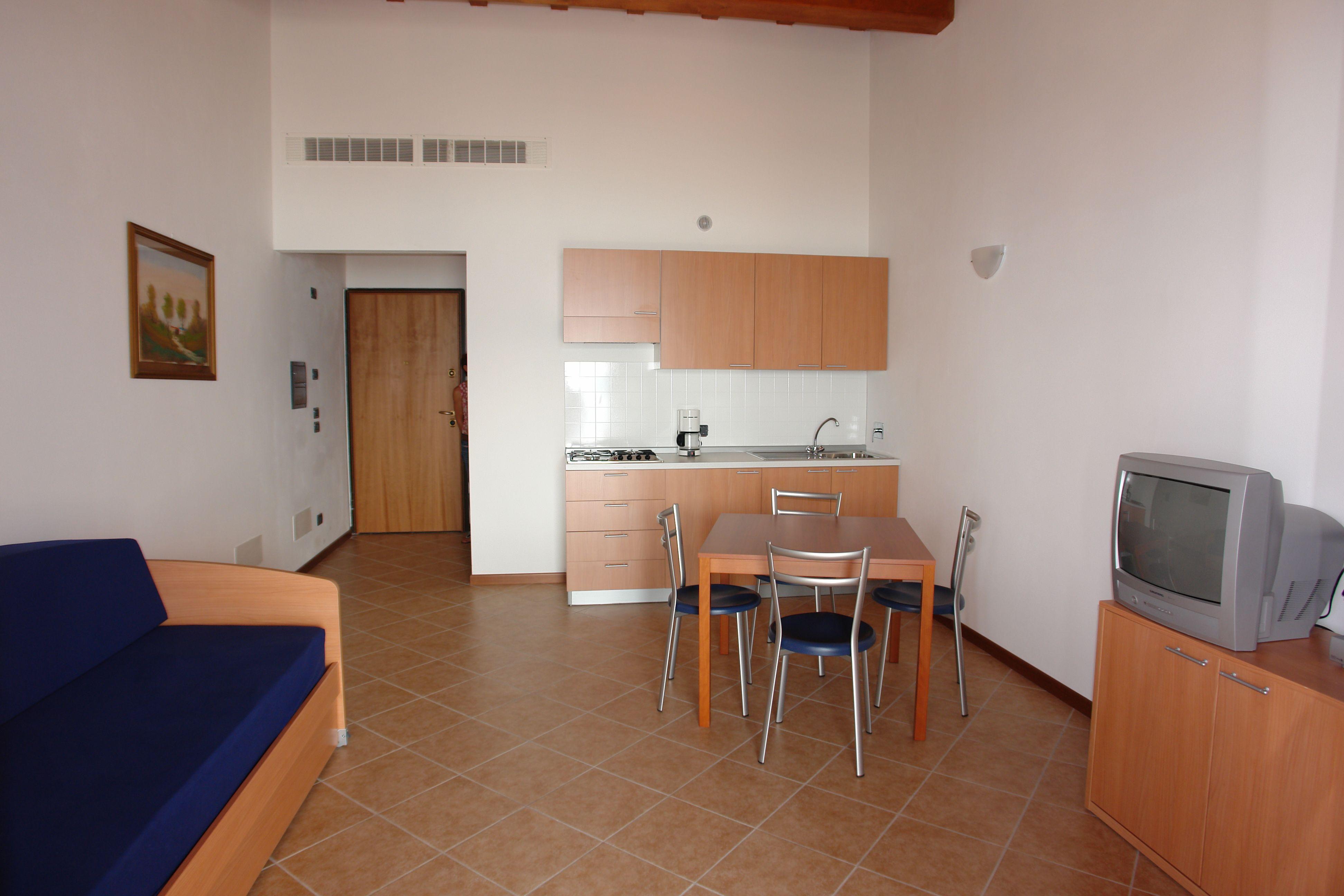 Ecco a voi uno dei soggiorni dei nostri appartamenti. #Gargnano ...