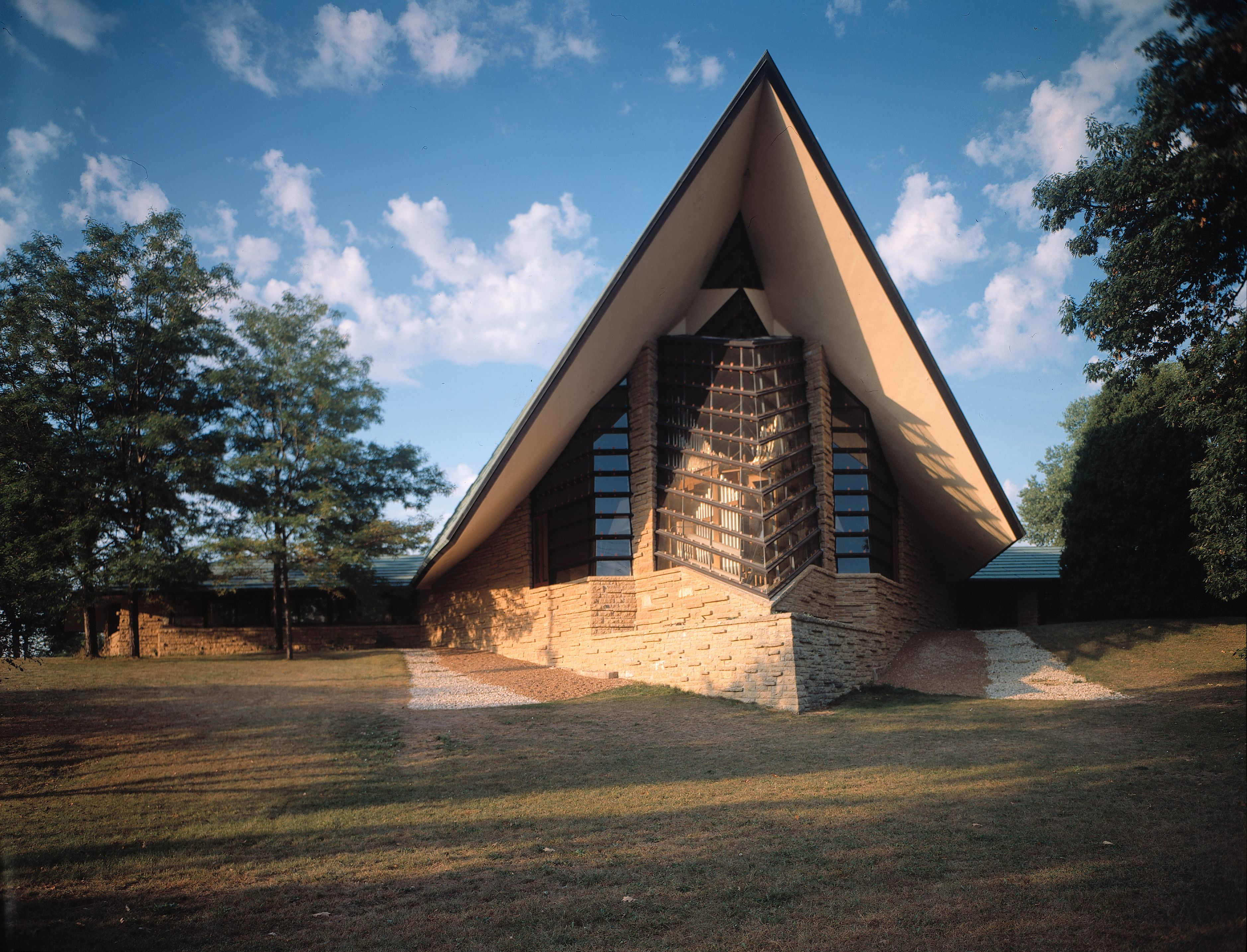 Charming Unitarian Meeting House, Located In Madison, WI. | Frank Lloyd Wright Pictures