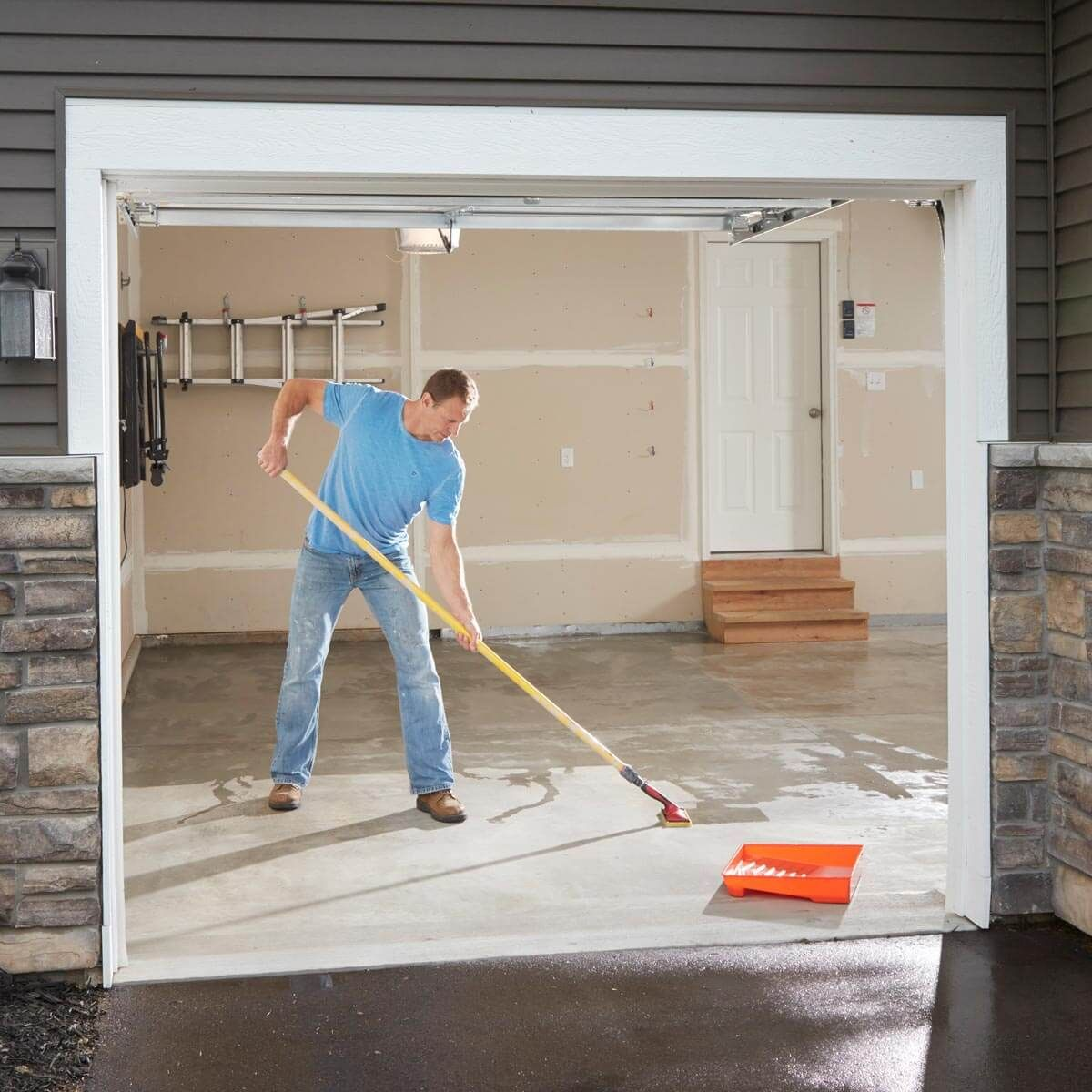 Make Your Garage Floor Last with Concrete Floor Sealer