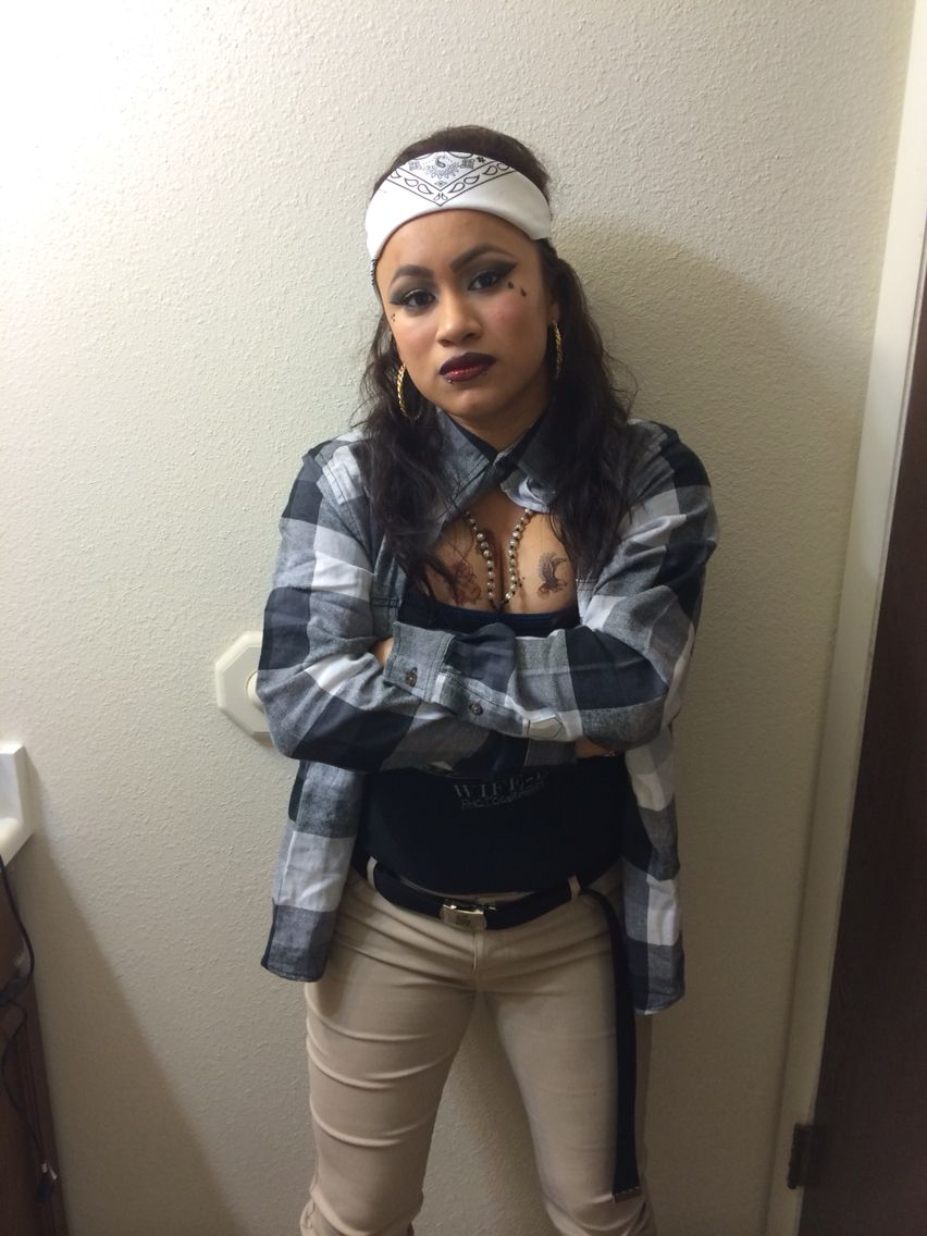 Chola makeup hair and outfit for Halloween Make up and