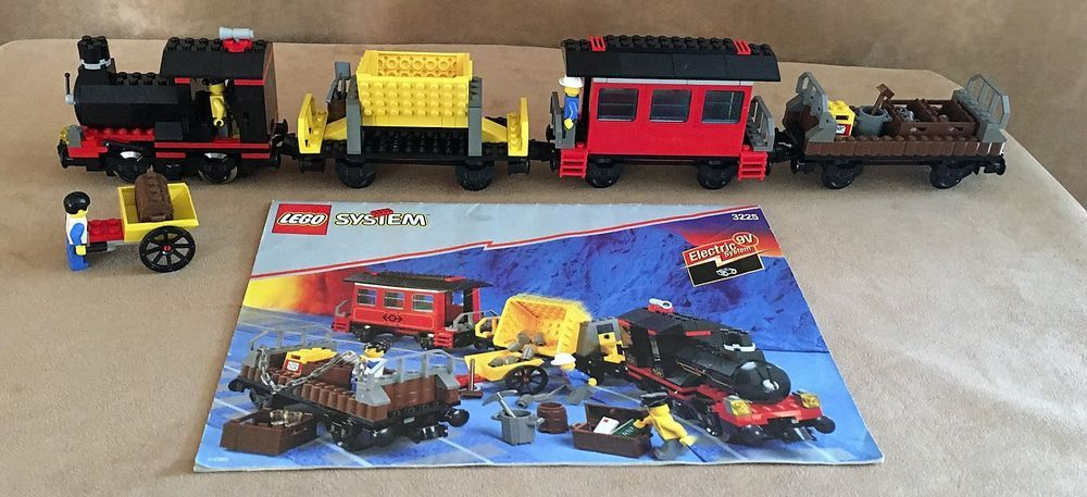 LEGO Trains 3225 Classic Train Locomotive Gondola Hopper Caboose